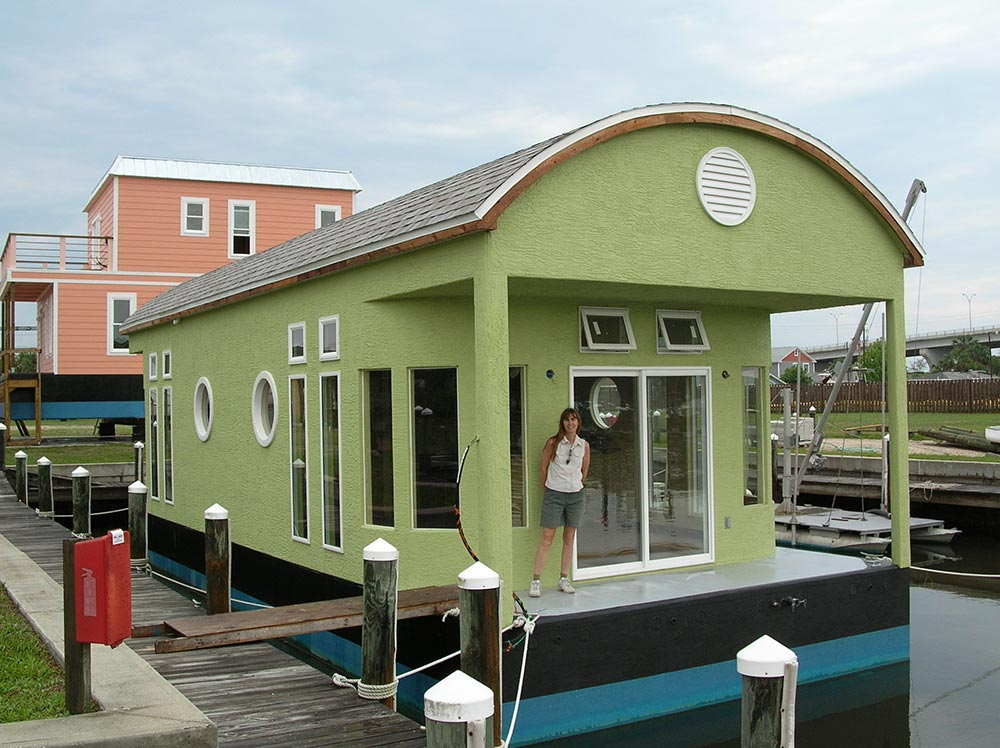 houseboat-green